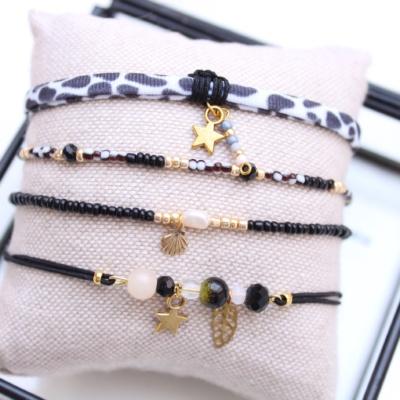 Zwart setje armbandjes